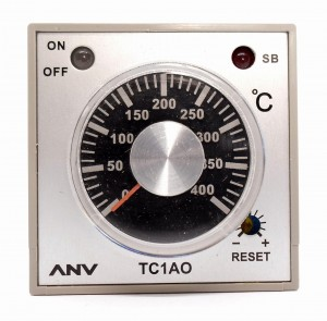 Regulator temperatury TC1AO-RPK4 0-400 st.C czujnik PT100 100-230V AC